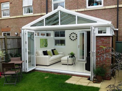 Small Bi Fold Patio Doors by Best 25 Conservatory Decor Ideas On