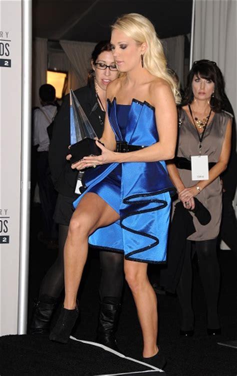 Underwood Wardrobe by Carrie Underwood How Does She Avoid Wardrobe