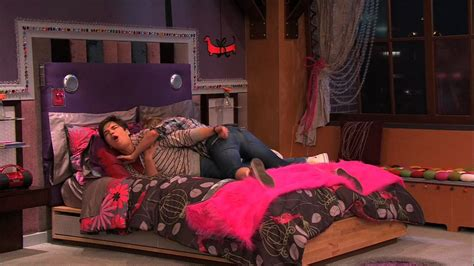 icarly bedroom icarly 4x01 igot a hot room icarly image 21399956