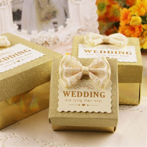 favors for wedding guests ideas 17 unique wedding favor ideas that wow your guests