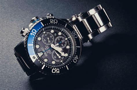 best seiko divers best dive watches 200 atomic811