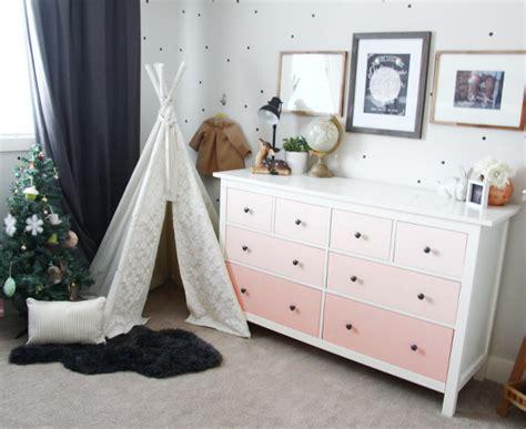wickeltischaufsatz für kommode wohnzimmer deko pink