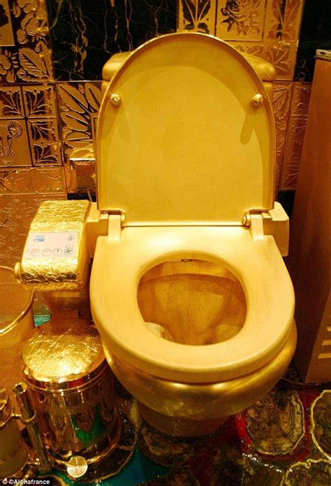 golden toilet kim kardashian kanye west spend 750k on gold plated