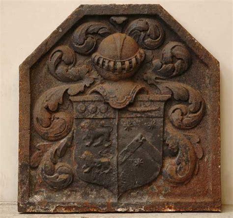 plaque de chemin 233 e en fonte aux armes de la famille br 233 tel