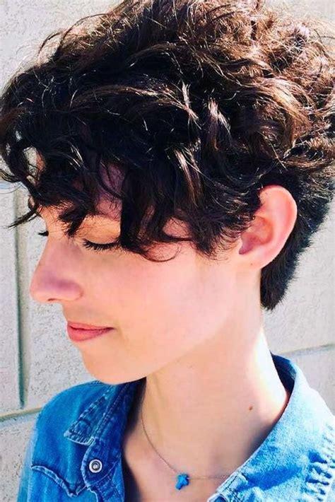 ideen fuer kurzhaarfrisuren fuer lockiges haar