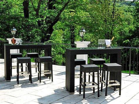 tavoli con sgabelli ar bt2 per bar e ristoranti tavolo alto per bar e