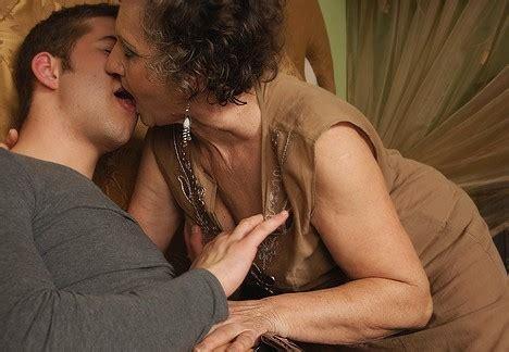 Old Granny Lesbians Kissing Matures Porn