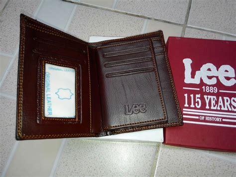 Harga Dompet Levis dompet levis semi kulit keren sepertiga