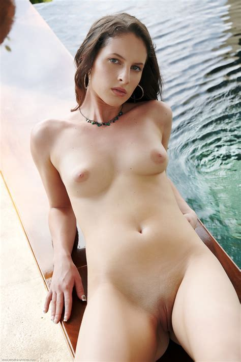 Kamlyn Nude In Photos From Errotica Archives