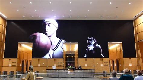 comcast center light barco nx 4 led screen at the comcast experience