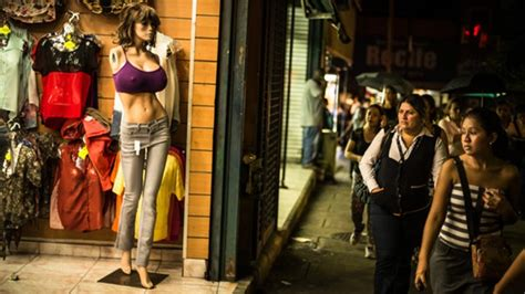 The Mannequins Are Getting Bigger by Big Busted Mannequins Shape Venezuelan Image Ht Health