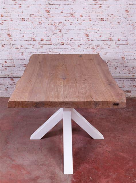 tavolo con gamba centrale prezzo scontato per tavolo design moderno con gamba centrale