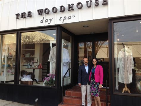 serenity   woodhouse day spa opens  summit