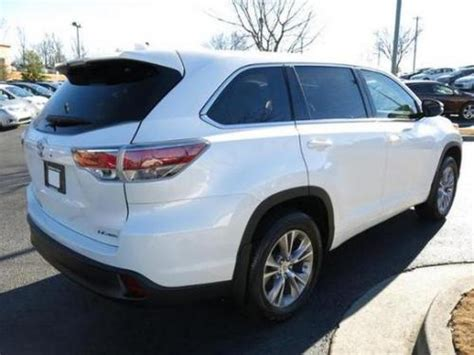 photo image gallery touchup paint toyota highlander in blizzard pearl 070