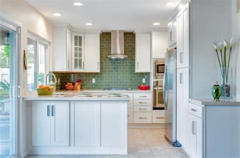 ideas estrategicas  la decoracion de cocinas pequenas