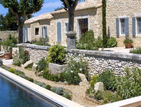 French Country Farmhouse - jardins et am 233 nagements paysager fontaines et patios a nelson architecte paysagiste en