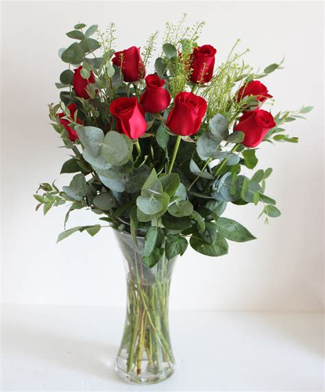 Roses In Vases by 12 Roses In Vase