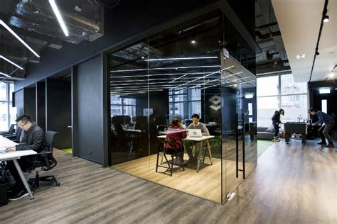 ofice home hong kong warehouse converted to creative office space