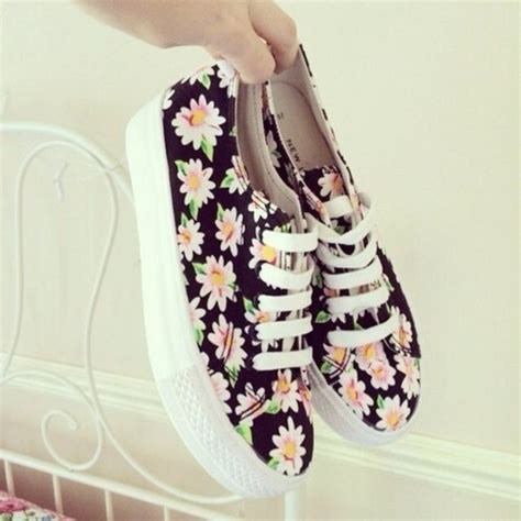 flower pattern trainers shoes daisy flowers floral flower print shoes sneakers