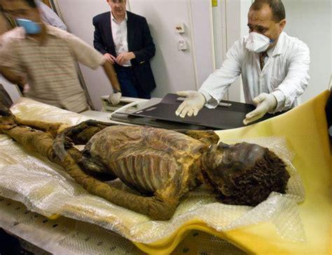 imagenes momias egipcias llegan momias de egipto sin permiso a celaya asi sucede