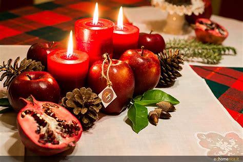 centrotavola natalizi con candele centrotavola natalizi originali da creare con il fai da te