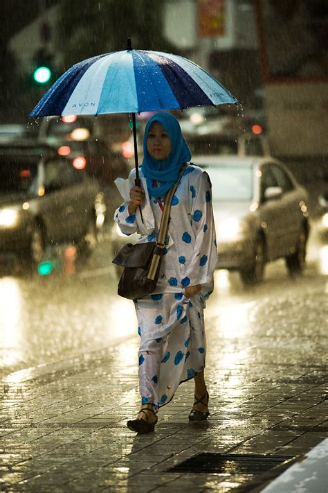 Riany Dress Muslim rainy day blues pinks a muslim remains during a typical malaysian downpour