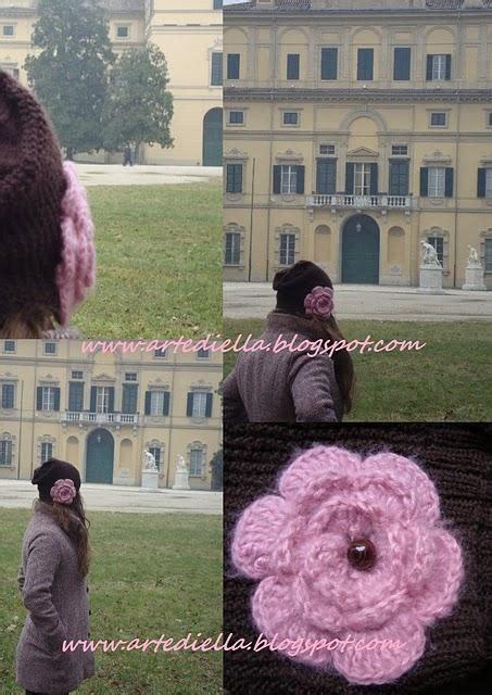 fiore di ai ferri cappello con fiore e sciarpa ai ferri con spiegazione