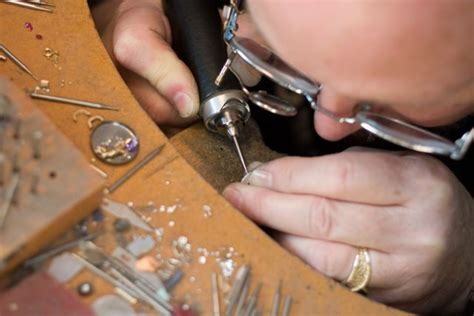 how to become a bench jeweler hartley jewelers hiring experienced bench jeweler