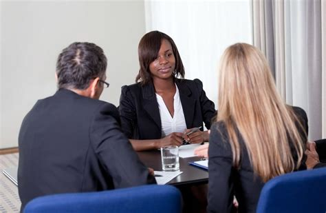 how to answer flight attendant interview questions