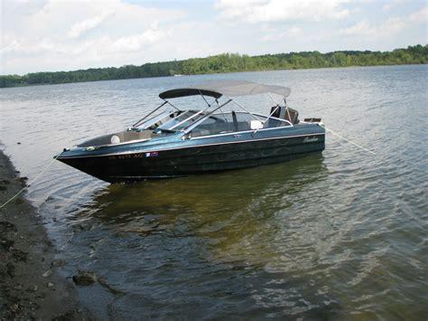 bayliner bowrider boat cover bayliner capri 1700 bowrider with 2006 escort trailer 1988