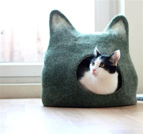 Handmade Cat Beds - felt crafted feline abodes cat bed