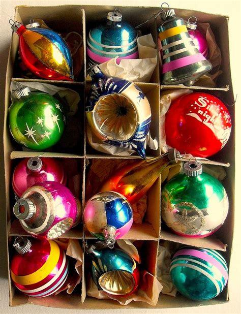 shiny bright christmas ideas 1940s 1950s vintage ornaments shiny brite box vintage ornaments vintage