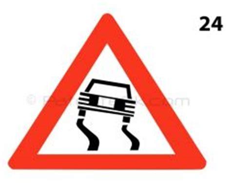 distanza di sicurezza in caso di neve 024 strada scivolosa segnali di pericolo patenteok