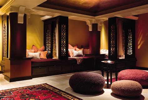 middle eastern room inside shangri la toronto hotel where george clooney and johnny depp hang out daily mail