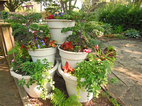 container gardening container garden tower pyramid how to build it shawna