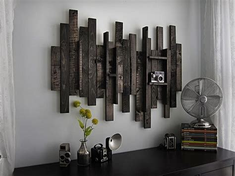 make wall decorations at home diy wooden pallet wall decor recycled things