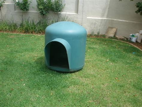 plastic dog house walmart kennels doghouses large plastic dog house kennel was sold for r600 00 on 26 mar at