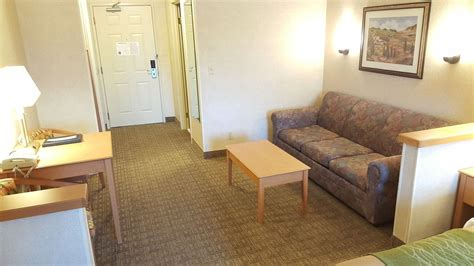 comfort inn rockford illinois comfort inn rockford in rockford hotel rates reviews