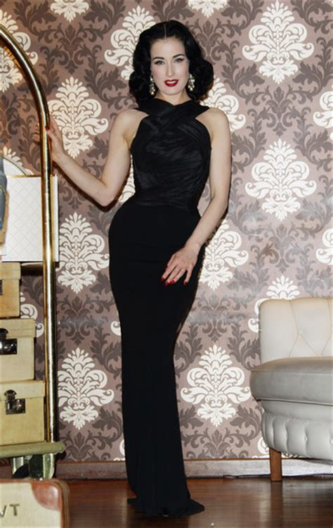 Dress Vonny Black dita teese in a black dress