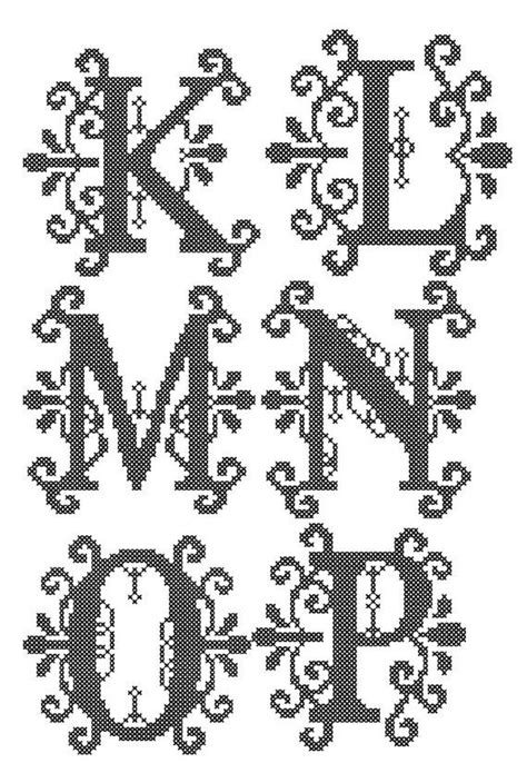 square pattern font 25 best ideas about cross stitch letter patterns on
