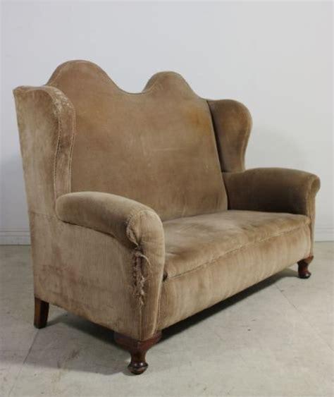 hump couch antique victorian hump back sofa 64812 sellingantiques