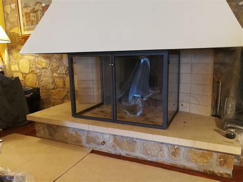 vetri temperati per camini chiusura camino con struttura in ferro verniciato e vetri