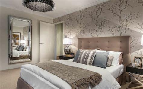 tapeten schlafzimmer modern schlafzimmerwand gestalten interessante ideen zum nachfolgen