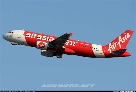 airasia emergency descent أخبـار طائرة a320 تابعة لطيران إير آسيا تهبط بشكل مرعب