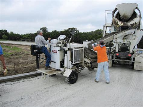 concrete construction equipments curb fox equipment cub fox 3000 slipform paver concrete