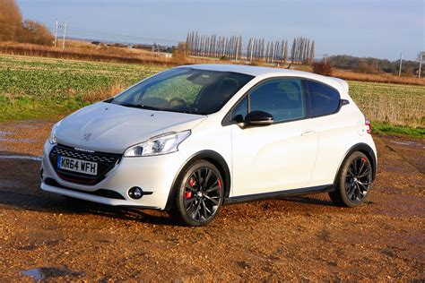 new peugeot small car peugeot 208 gti 2012 photos parkers