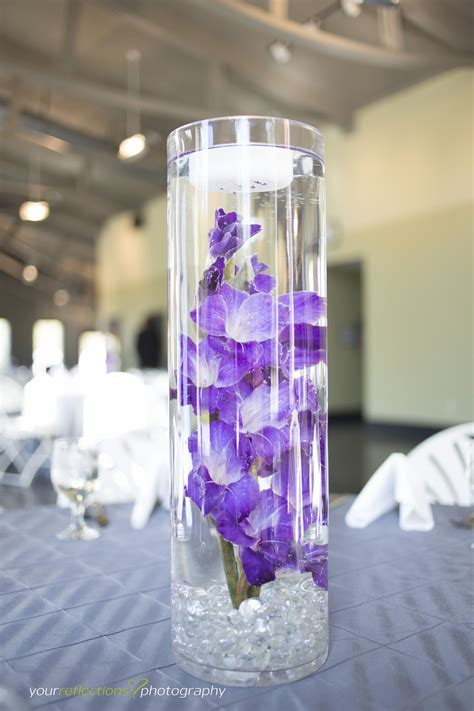 diy wedding centerpieces with submerged flowers gladiolas submerged flowers purple wedding flowers
