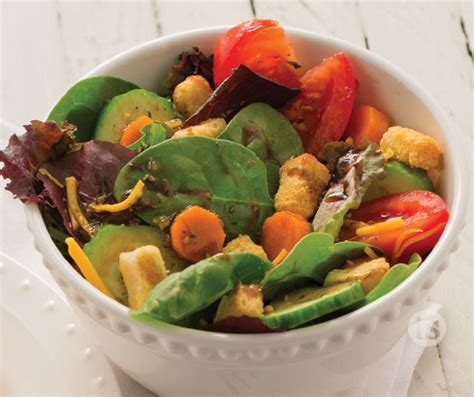 Simple Side Salad With Herbs Chagne Vinaigrette by Mixed Greens With Rustic Herb Vinaigrette Recipe