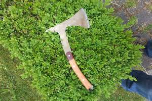 how to make a tomahawk a tomahawk from a saw blade tutorial