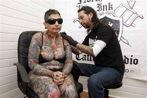 tattoo pain after years blind woman s 416 hours of pain to get full body tattoo